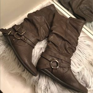 ✨Brown Mid Calve Boots✨